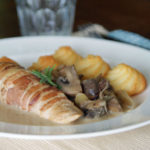 Aus dem Slowcooker: Hühnchen im Speckmantel