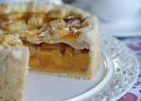 Kleiner Pfirsich-Amaretto-Pie