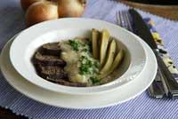 Rindfleisch mit Zwiebelsauce