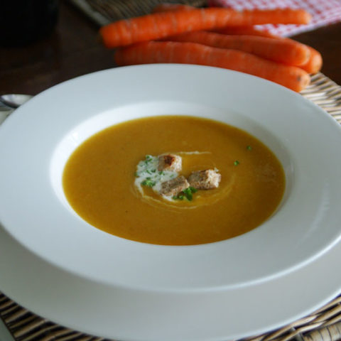 Potage Crécy oder Karotten-Lauch-Suppe (Slowcooker-Rezept)