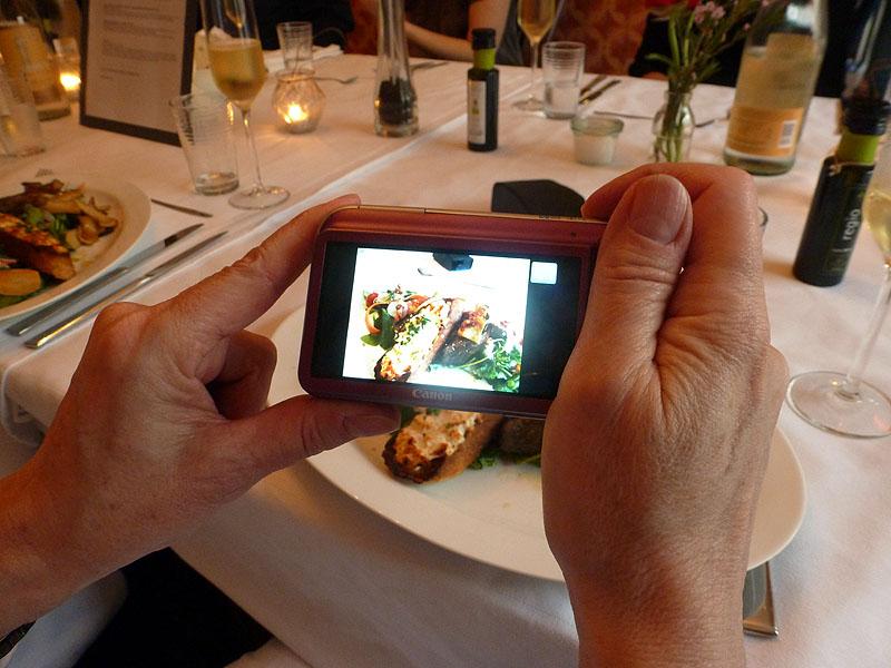 Foddblogger fotografiern Food