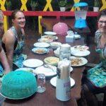 Finnland und Deutschland kochen thailändisch