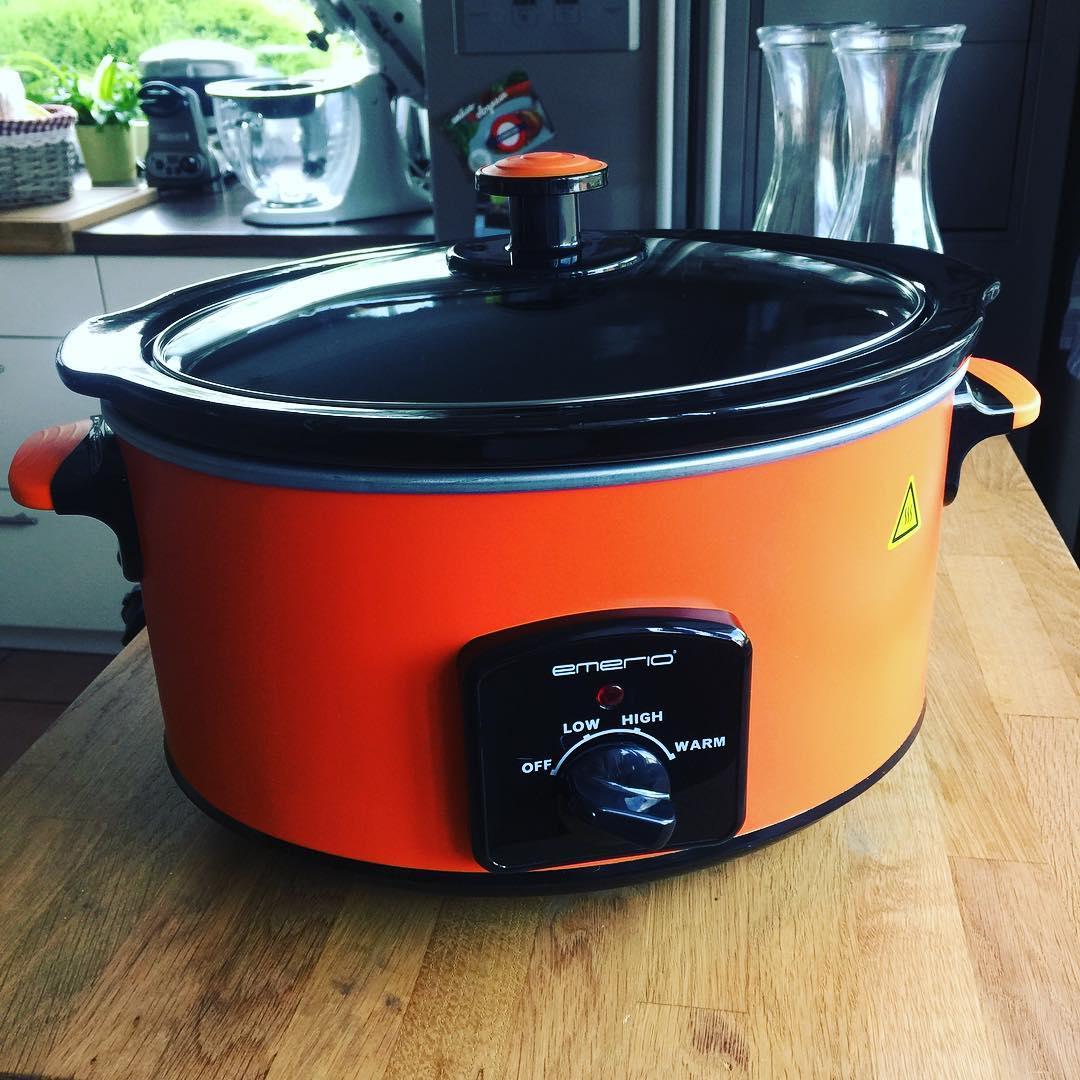 Etwas Farbe im grauen Slowcooker-Alltag: Neues Testgerät von Emerio #langsamkochtbesser #slowcooker #crockpot #foodblogger #testblogger #schongarer