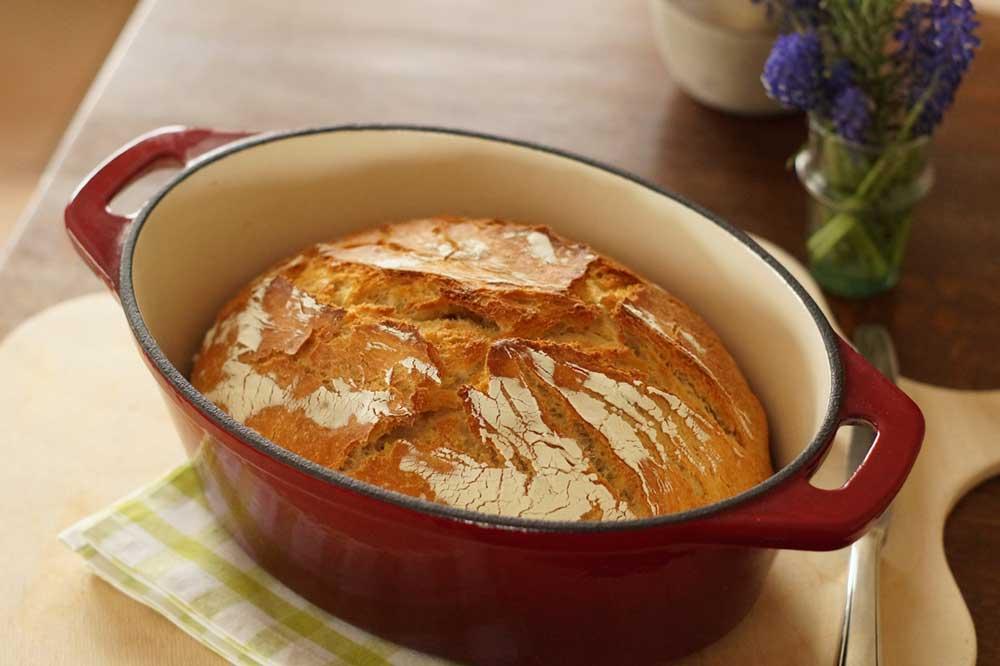Brot aus dem Bräter